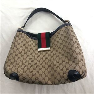 Large Gucci purse 👜